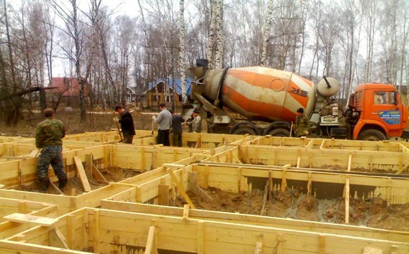 Устройство деревянной опалубки для фундамента