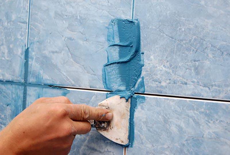 Укладка фартука из плитки на кухне