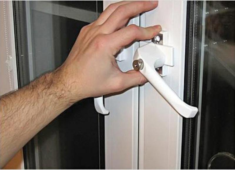 Скрип балконной двери из пвх. - задумки - каталог статей - в.