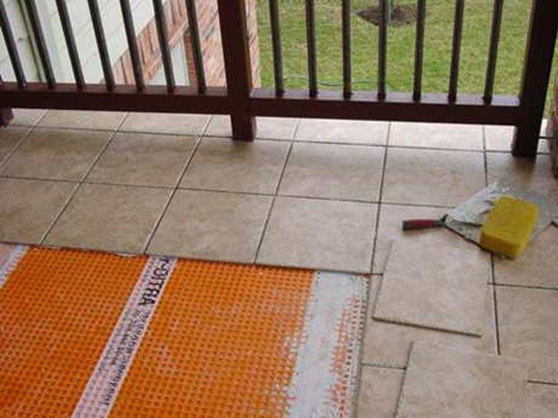 Укладка плитки на балкон своими руками видео
