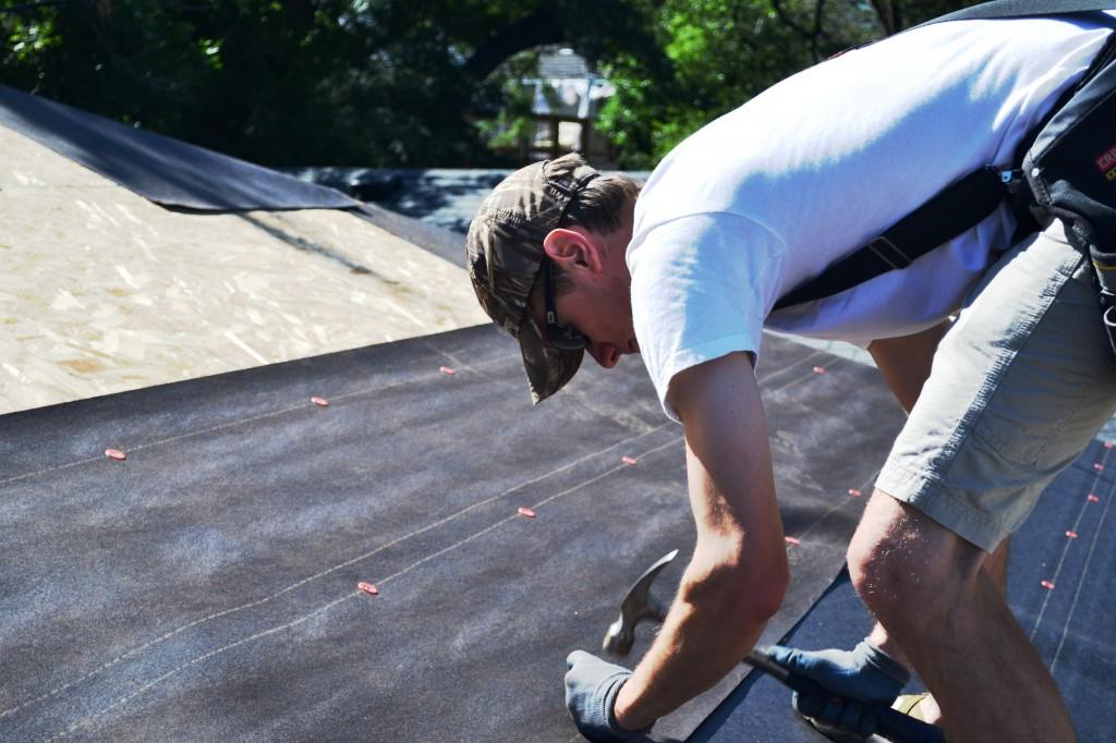 как крыть крышу рубироидом гаражи Москвы пообещал