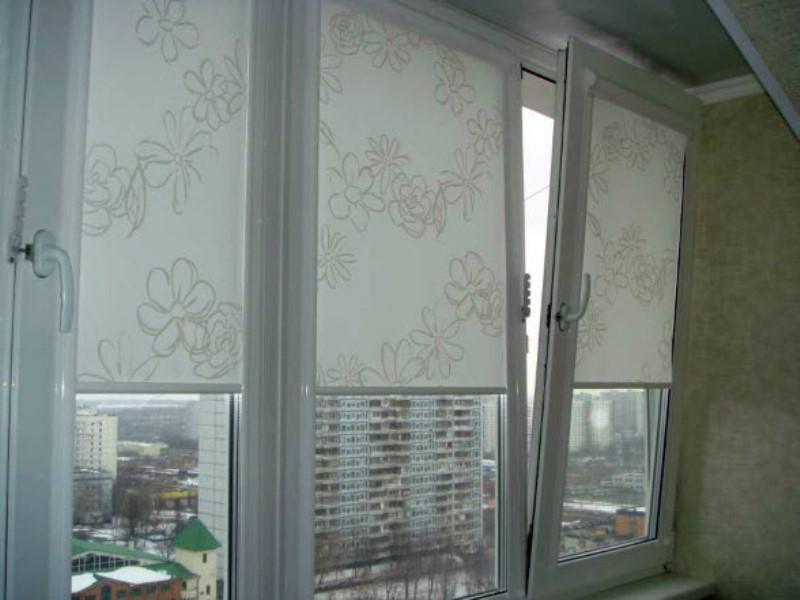 Какие шторы выбирать на балкон.