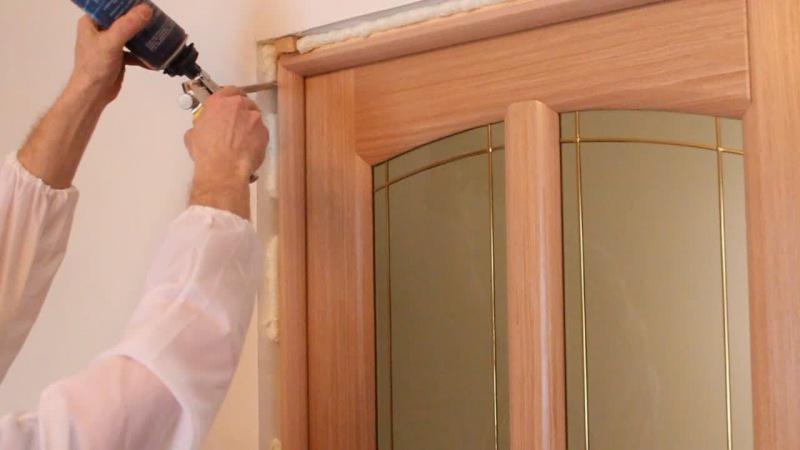 Установить складную дверь своими руками 166