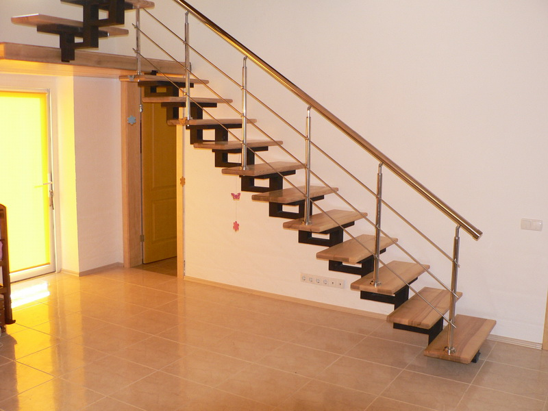 воспитании большое стоймость маршавых лестниц в частный дом крючком для