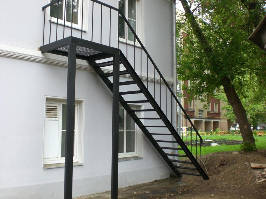 руками построить уличную лестницу своими