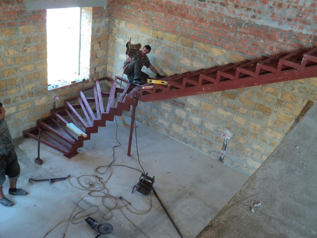 Железная лестница своими руками на одном к 794