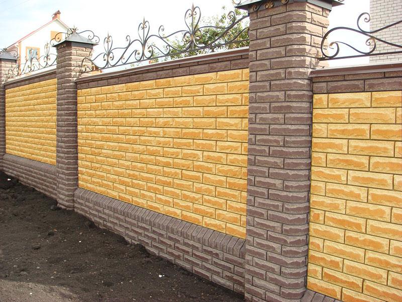 Преимущества заборов из бетонных декоративных блоков
