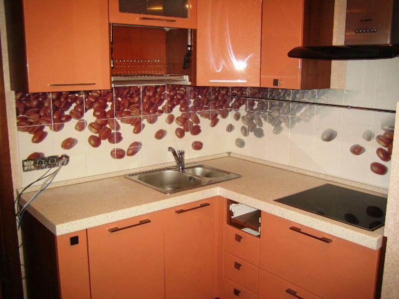 фото кухни в кафеле