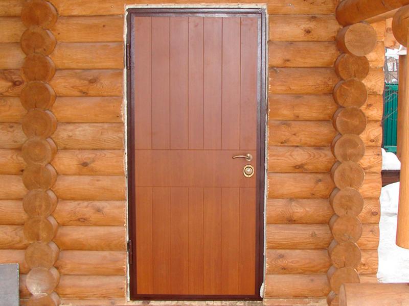Установка двери в баню
